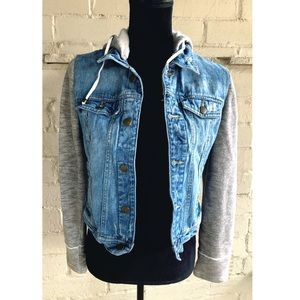 Hooded Jean Jacket Size Small By Black Rivet